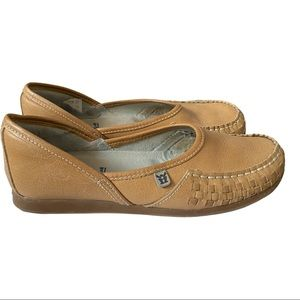 Mag leather slip on loafers VGUC size 6 tan
